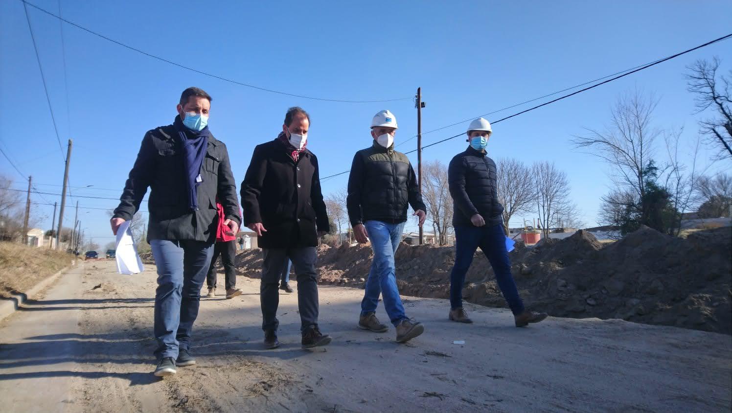 La obra de cloacas para todo barrio Alberdi con un avance del 85%